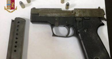 Secondigliano: Arrestato 48enne per porto abusivo di arma e ricettazione