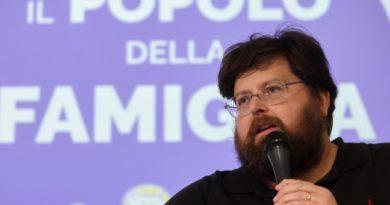 Mario Adinolfi a Pomigliano d'Arco. Democrazia a senso unico