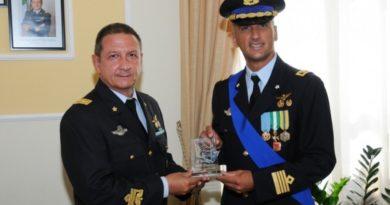 Aeroporto Militare Capodichino: Il Colonnello FERRAMONDO cede il comando al Colonnello VICARI