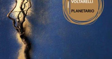 Peppe Voltarelli in concerto con Planetario. Targa Tenco 2021 come miglior interprete
