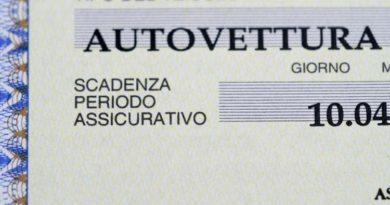 Napoli, sequestrati 40 veicoli privi di RCA e targhe