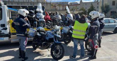 Napoli: sequestrati 58 veicoli privi di RCA